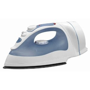 Black & Decker ICR200 First Impressions 1350-Watt Auto-Off Iron