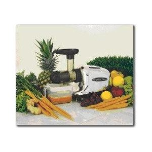 Omega 8005 Juicer and the Organic Wheatgrass Growing Kit