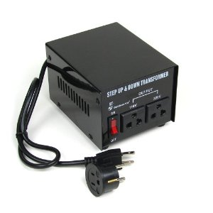 Goldsource� Step Up and Down Voltage Converter Transformer ST100 - AC 110/220 V - 100 Watt.