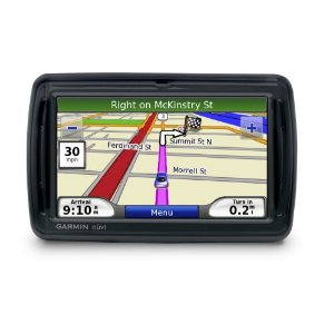 Garmin n�vi 850 4.3-Inch Widescreen Portable GPS Navigator with Voice Command and FM Transmitter (Soft Black)