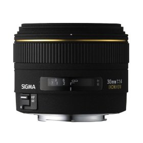 Sigma 30mm f/1.4 EX DC HSM Lens for Pentax and Samsung Digital SLR Cameras