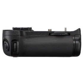 Nikon MB-D11 Multi-Power Battery Pack for Nikon D7000 Digital SLR Camera
