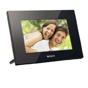 Sony DPF-D95 9-Inch LED Backlit Digital Photo Frame with Remote (Black)