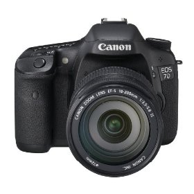 Canon EOS 7D Digital SLR Camera with EF-S 18-200mm IS Lens Kit
